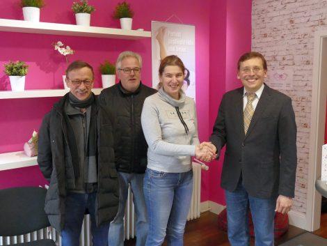 FDP gratulierte Schuhmacherei Kalischko und Anjas Fußpflege zu ihren Firmenjubiläen